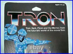 K20i05341 TRON WARRIOR MOC MINT ON SEALED CARD TOMY 1981 WALT DISNEY VINTAGE