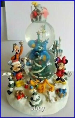 VINTAGE Walt Disney World Christmas Holiday Snowglobe EXCLUSIVE TO WDW