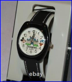 Walt Disney Disneyland Mickey Mouse Donald Duck Castle Watch Vintage RARE New